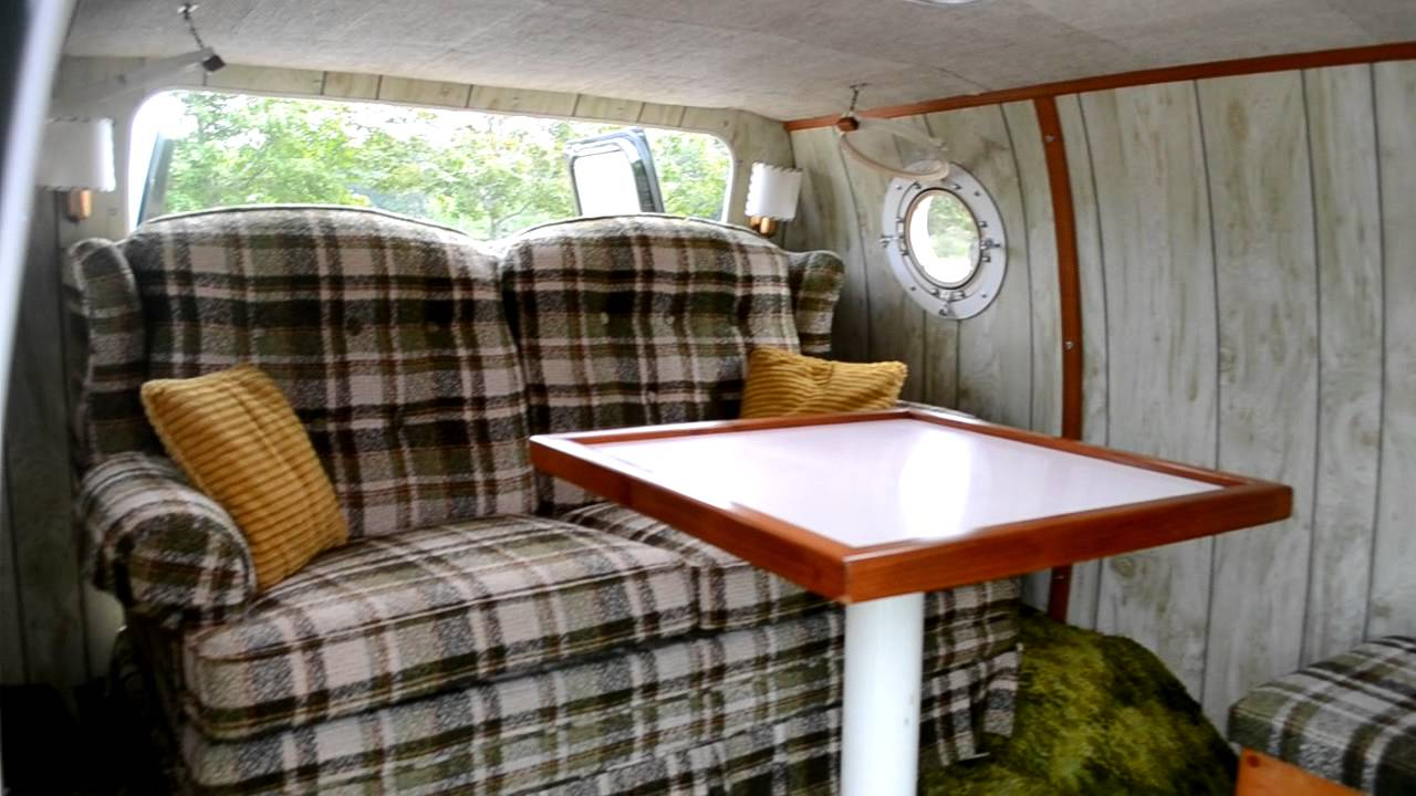 Fully Restored Custom 1970s Show Van