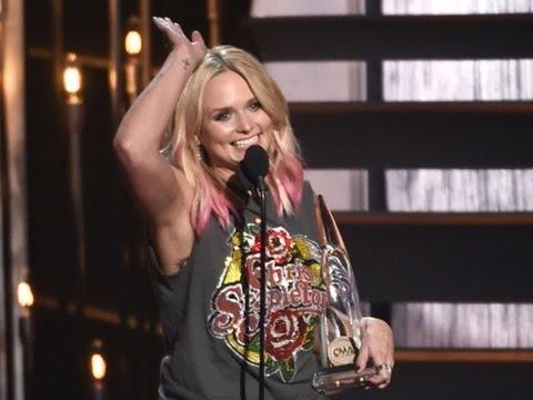Lambert at CMAs: I Needed a Bright Spot