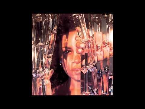 AlunaGeorge – Champagne Eyes ft. Baauer