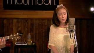moumoon performing a cover of September by Earth Wind & Fire. No co...