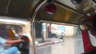 tuk tuk bangkok traffic
