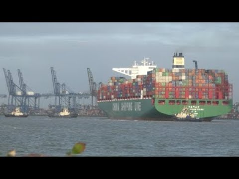 CSCL Indian Ocean swings to port as she departs POF for Port Kelang via Suez Canal 2nd January 2019