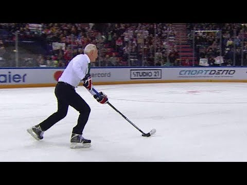 Билялетдинов исполнил буллит на Матче звезд КХЛ в Казани