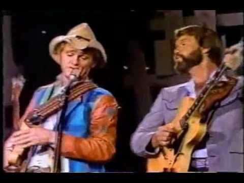 Glen Campbell & Jerry Reed - Glen Campbell Music Show (18 Dec 1982) - East Bound and Down