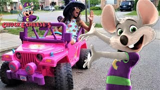 CHUCK E CHEESE'S!!  Deema play games at family playground for kids!