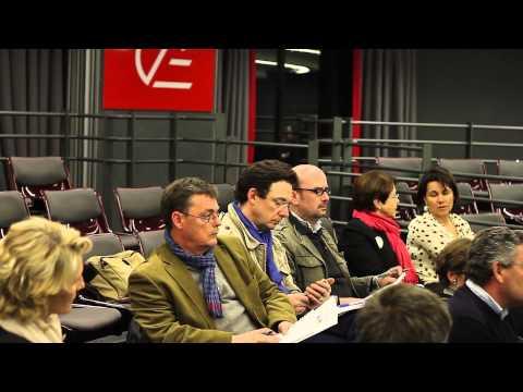 Conference de presse 2000 emplois 2000 sourires