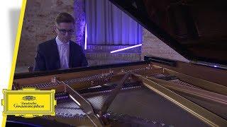 Víkingur Ólafsson - Bach (Interview #1)