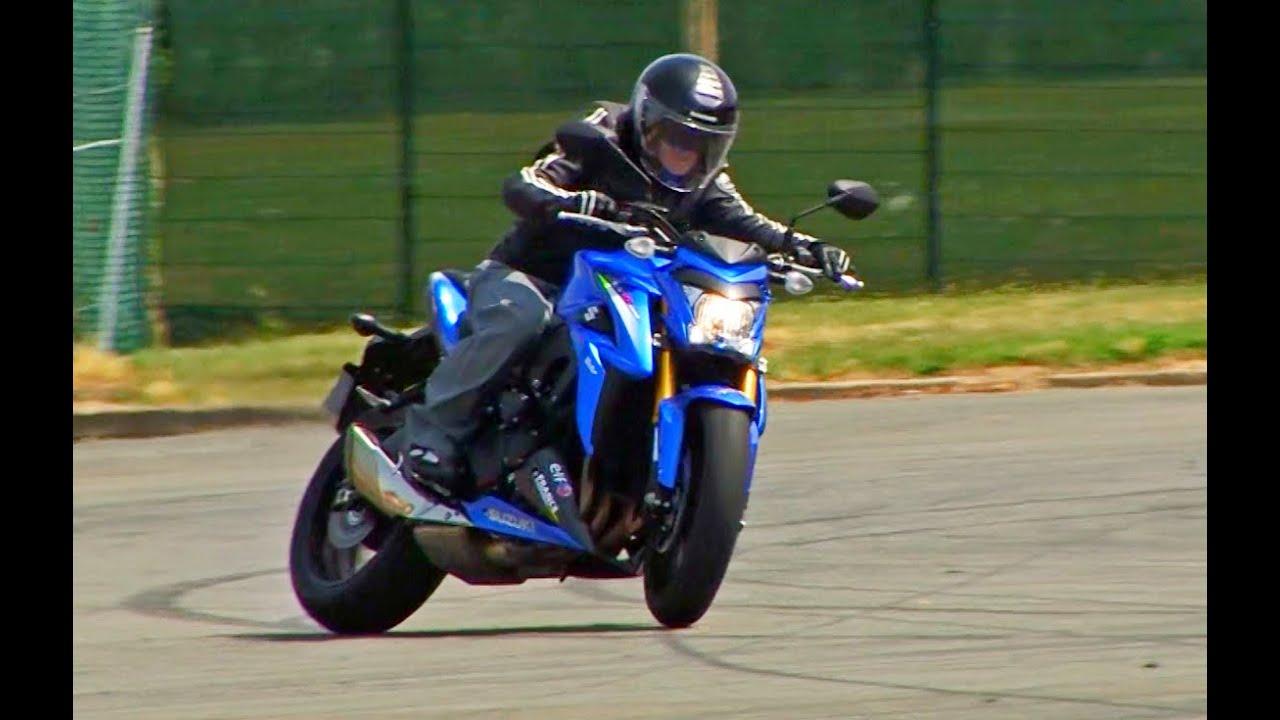 suzuki gsx s 1000 une moto pour vitaminer les vieux video luc motos english subtitles. Black Bedroom Furniture Sets. Home Design Ideas