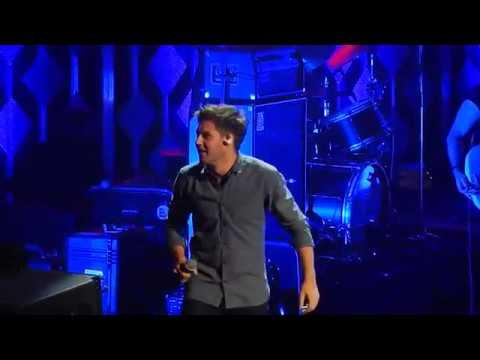 Niall Horan- Slow Hands (KDWB Jingle Ball...