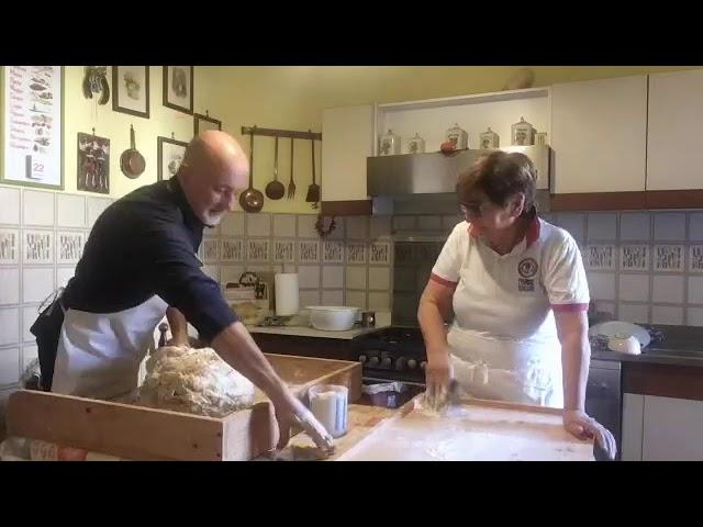 Si impasta il pane