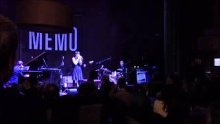 Arisa canta Viva la vida