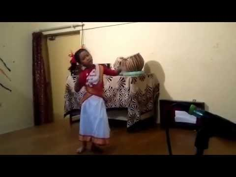 Asom Dekhor Bagisare Suali dance by Kashvi