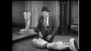 Slapstick clips - Wrong Again (1929) - 1
