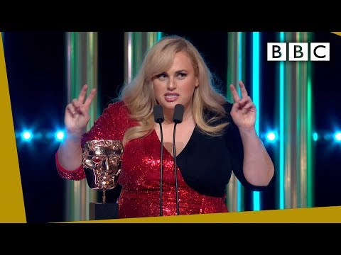Rebel Wilson steals the show with HILARIOUS unexpected BAFTA 2020 speech - BBC