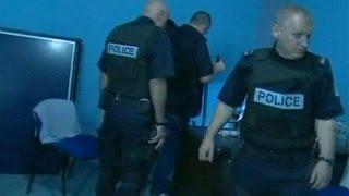 Kosova polisinden radikal gruplara baskın