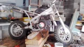 Tuto#1 démonter/nettoyer son carburateur de Pocket  -Breizh Moped