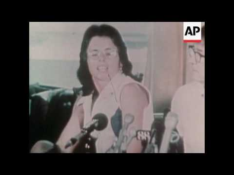 Billie Jean King and Bobby Riggs at press conference