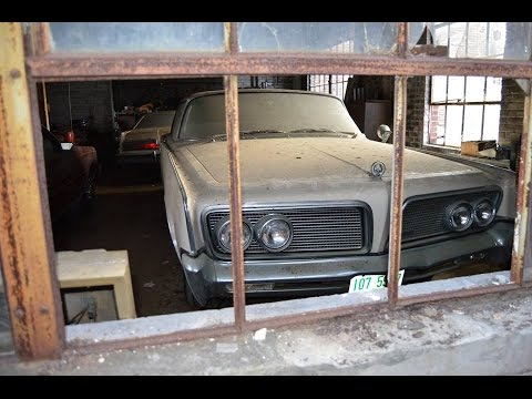 Abandoned Old Car Dealership Full Of Classics!