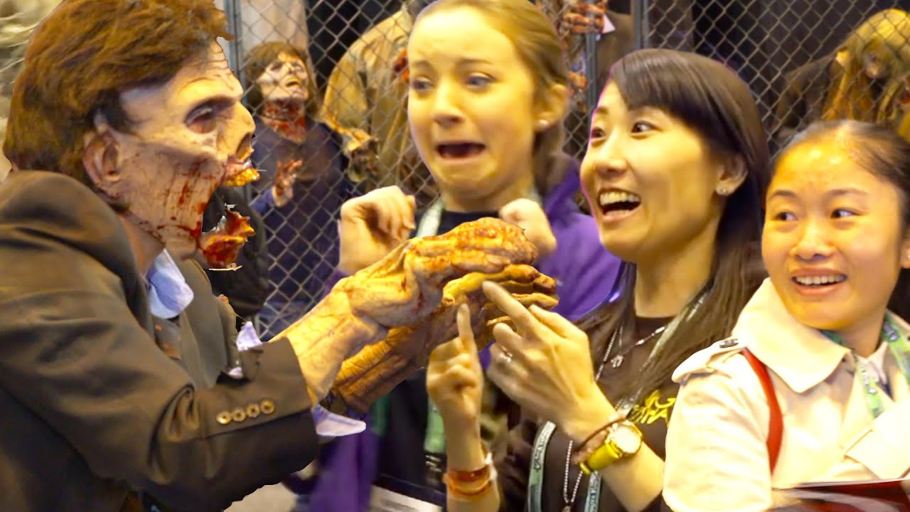 Zombie vs People Scare Prank at Halloween Show