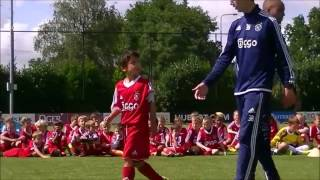 Yaya 39 s 1v1 finale op Ajax Cs en Clinics 2015
