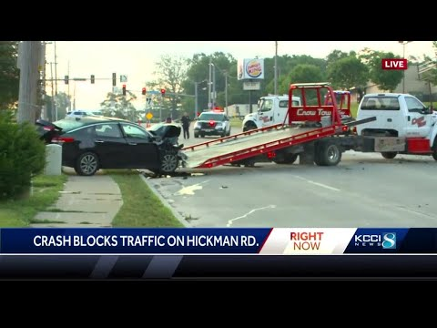 Head-on Crash In Des Moines Closes Stretch Of Hickman Road
