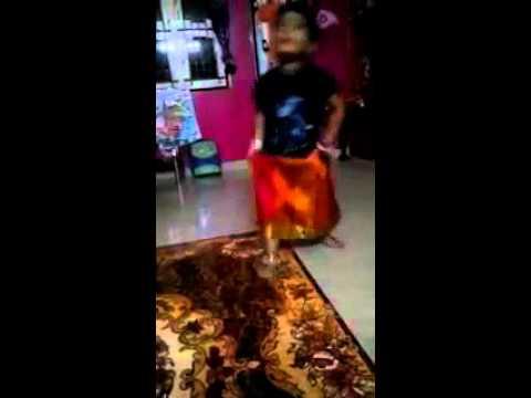 Rajini murugan - Aavi parakum tea kadai video song