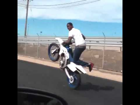 Dirt Bike Rell Changing Gears With 1 Hand While W Youtube