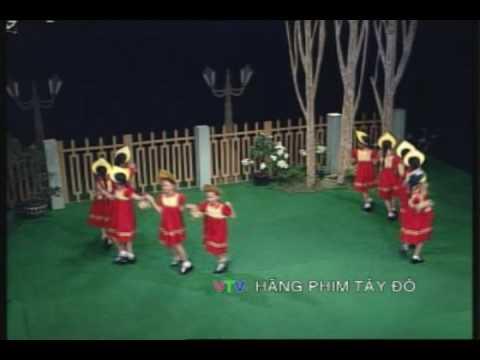"""Múa vũ điệu Nga """"Hái Hoa"""""""