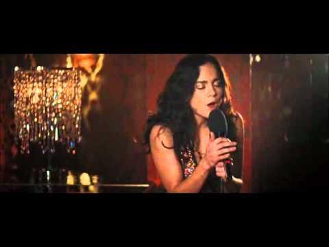 Alice Braga Cry me a river
