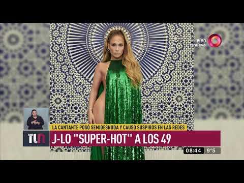 JLo 'súper-hot' a los 49