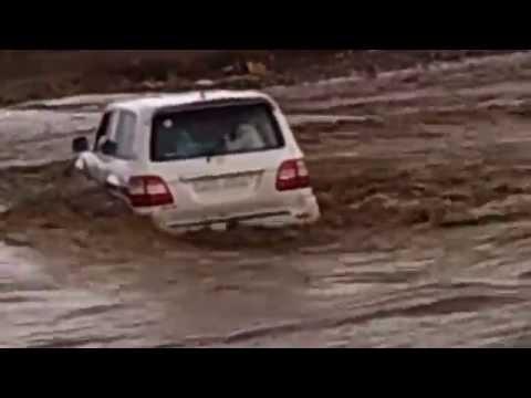Land Cruiser 100, Крузак через воду. Арабы!
