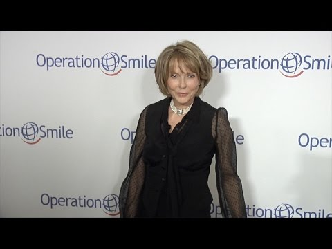 Susan Blakely // Smile Gala 2015 Red Carpet Arrivals
