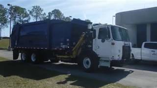 2014 Autocar ACX64 Xpeditor 8 9L L6 DIESEL Refuse Truck Blue   8981
