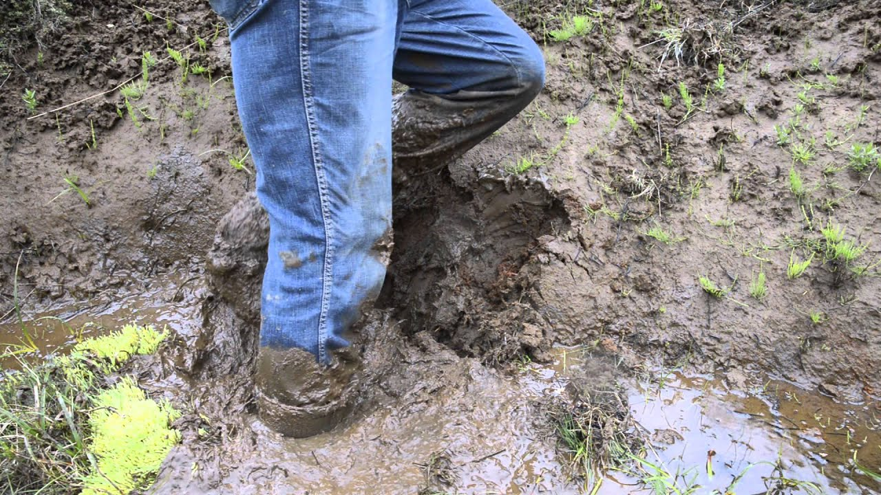Flooding Leather Boots With Mud And Water Youtube