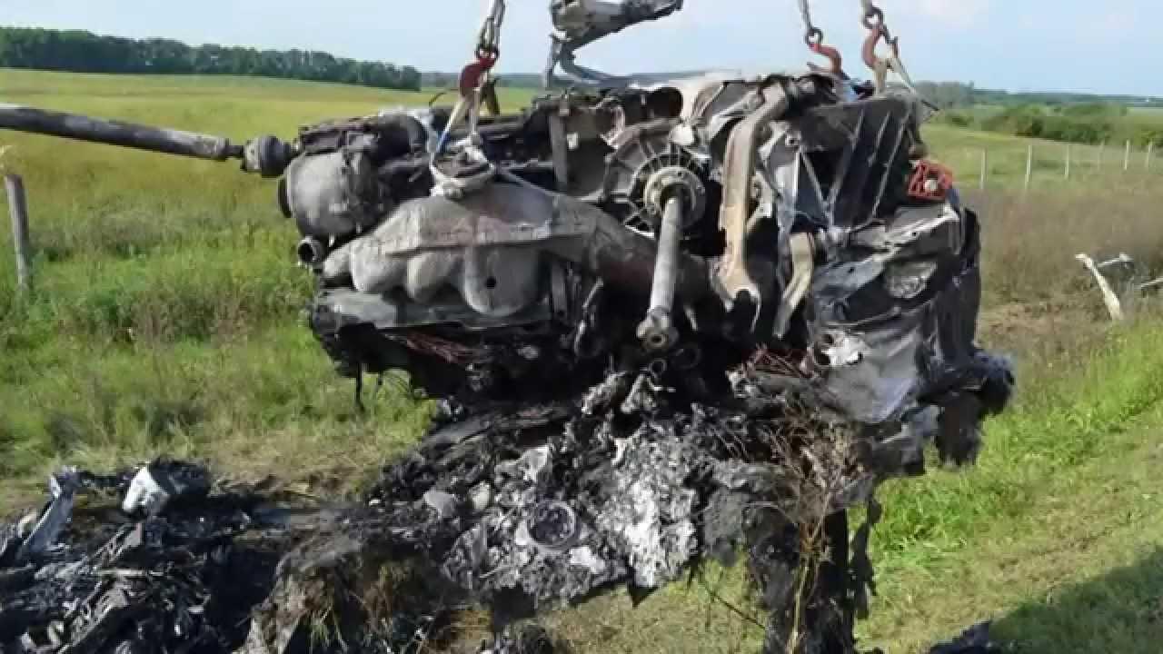 lamborghini horror crash mit 300 km h ungarische polizei. Black Bedroom Furniture Sets. Home Design Ideas