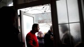 Cвавілля в Регіональному Відділенні ДМС, Львів(7 березня 2013 року пішли здавати документи на отримання закордонного паспорту в Регіональному Відділенні..., 2013-03-08T03:59:30.000Z)