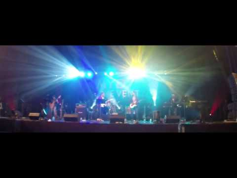 Doctor Band Performing Negambo MYD show. Sithey susum