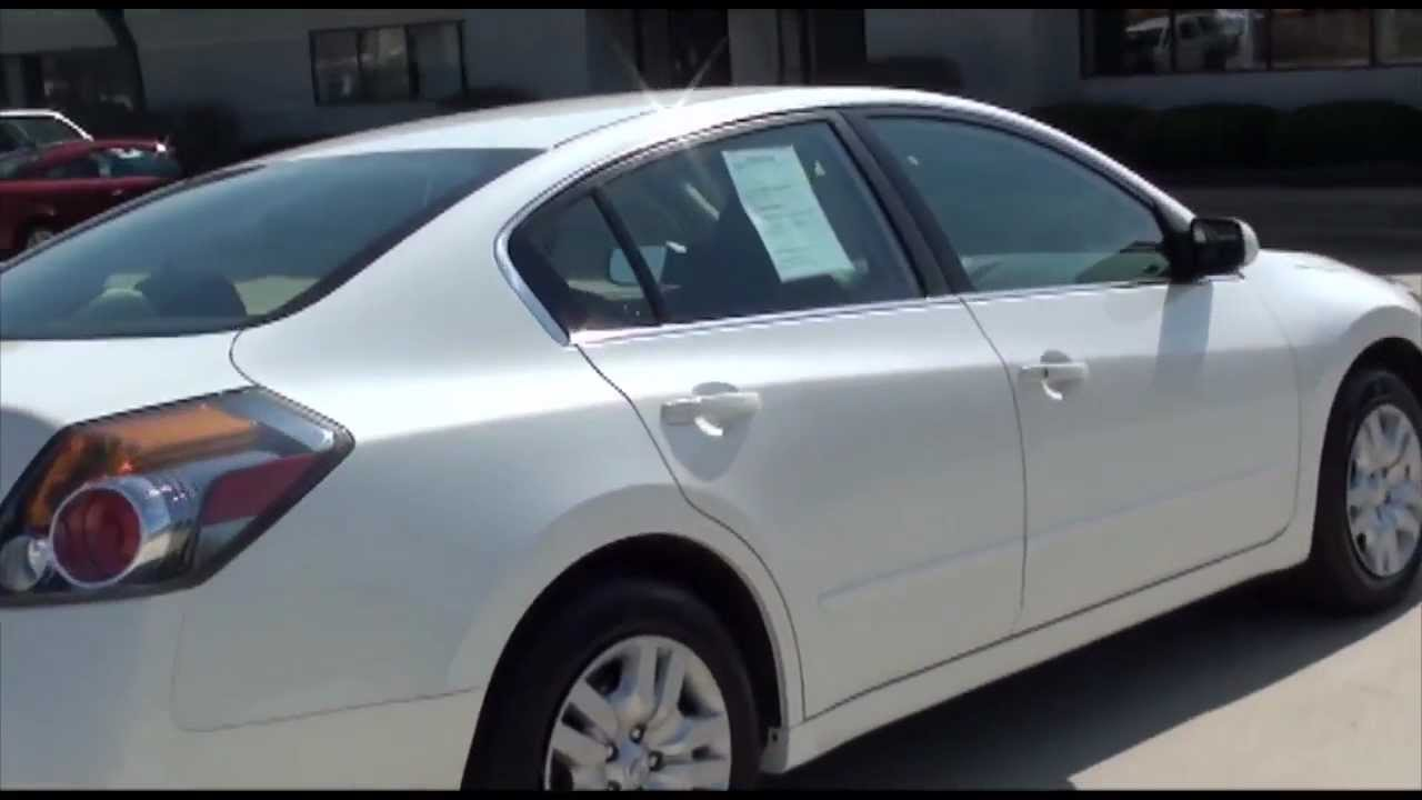 2010 nissan altima 2 5 s cvt sedan white excellence cars direct naperville chicago il youtube. Black Bedroom Furniture Sets. Home Design Ideas