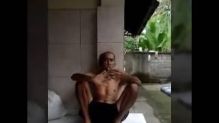 Download Video Video lucu:kejahilan alit-alit ngerjain kakek - kakek MP3 3GP MP4