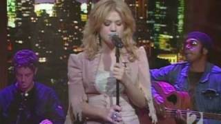 Kelly Clarkson - Behind These Hazel Eyes (Acoustic - Live Regis & Kelly)