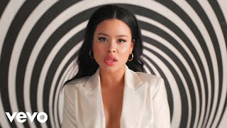 Смотреть клип Cierra Ramirez - Liquid Courage