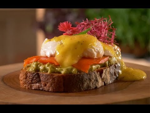 How To Make Delicious Avocado Toast With Poached Eggs | Recipe | Food Lovers