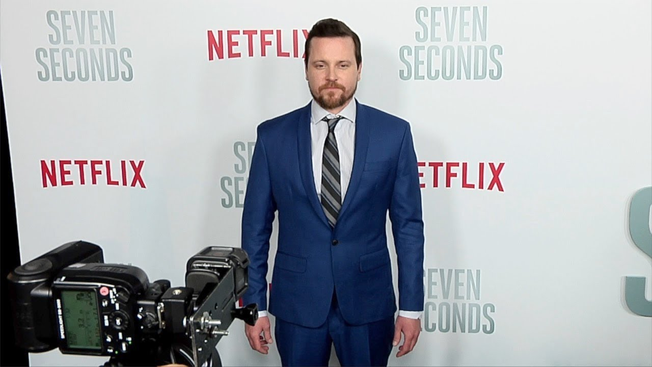Michael Mosley Netflix S Seven Seconds Premiere Youtube Michael mosley (born september 16, 1978) is an american television and film actor, best known for his roles as drew suffin on scrubs. michael mosley netflix s seven seconds premiere