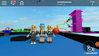 Io e i miei amici su ROBLOX (SC che non ero con le cuffie e MNA dswriting)