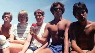 Meet These 5 Friends Who Reunite For A Photo Every 5 Years