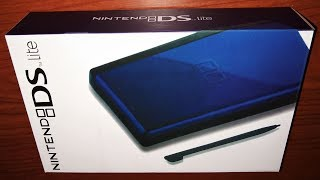Unboxing a brand new Nintendo DS Lite in 2019!