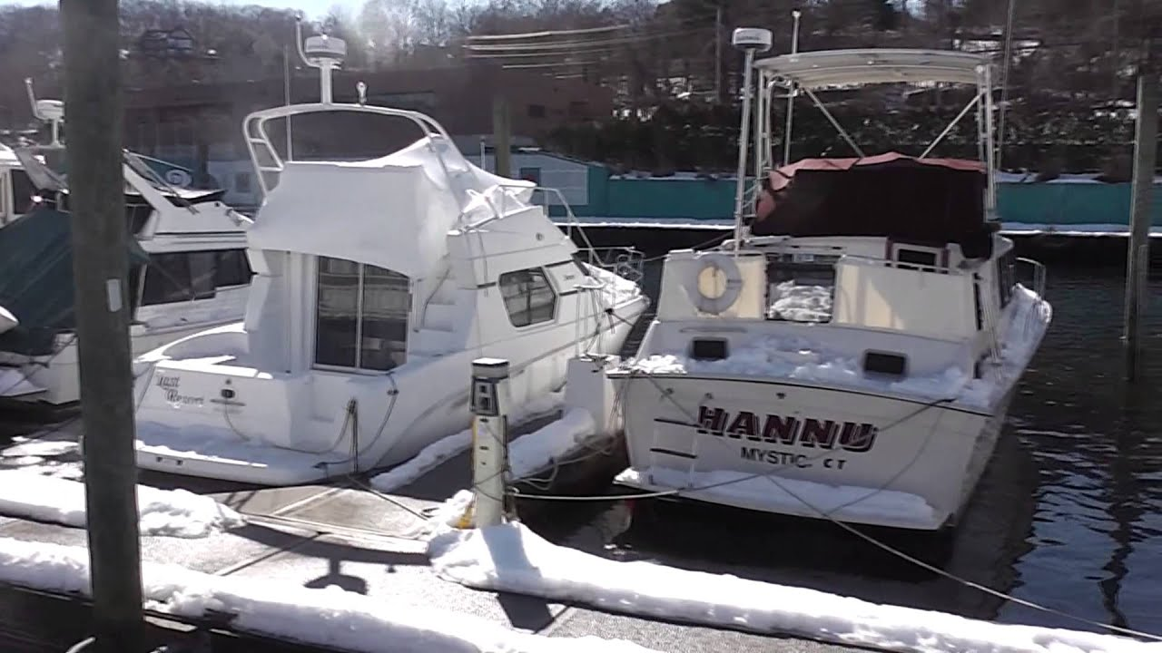 installing a new water heater on our boat [ 1280 x 720 Pixel ]