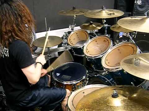 blast beat solo - YouTube