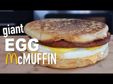 DIY GIANT EGG McMUFFIN