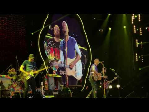April 1, 2017 | Yellow - Coldplay live in Singapore
